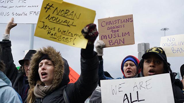 Muslims-protest-in-USA