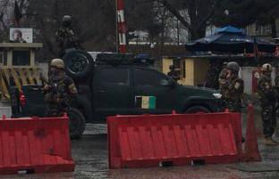 در کابل و هلمند؛ کشته و زخمی شدن ۱۸ تن در حملات انتحاری