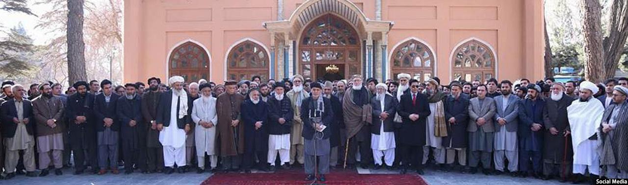 غنی خطاب به افغانها: باید در جنگ و صلح پیروز شویم