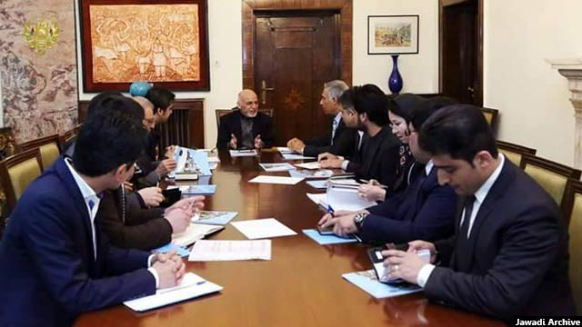 کارکردهای خدیجه جوادی در بخش مهندسی مورد حمایت مقامهای حکومتی افغانستان قرار گرفته است و از خواسته شده که در نهادی دولتی در این بخش کار کند