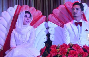 عروسی فرهنگی؛ خاطره عطایی و مهدی پویان، استقبال از بهار زندگی با سنت شکنی اجتماعی