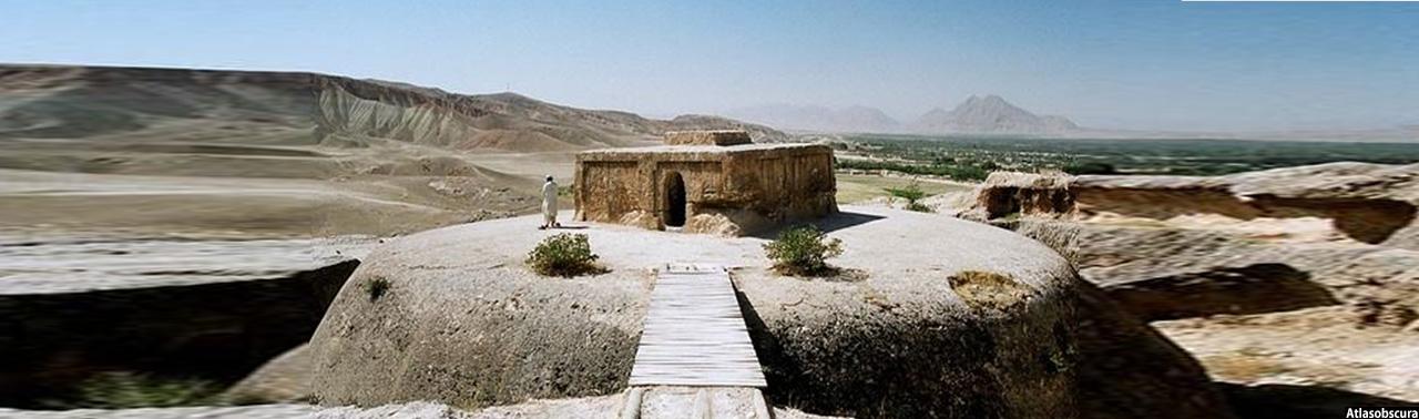 جلوههای درخشان یک تاریخ؛ «تخت رستم» یادگاری از تاریخ باشکوه خراسان