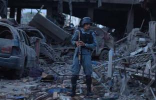 """""""وقتی دیگر امیدی نیست""""؛ زندگی از زبان شاه مری فیضی قربانی بزرگ حملات انتحاری دوشنبه سیاه کابل"""