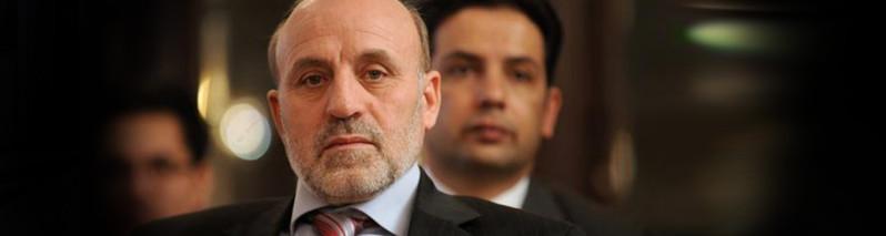 «داوودزی مذاکرهکننده سیاسی ماهری است»؛ واکنشها به تعیین عمر داوودزی به عنوان رییس دبیرخانه شورای عالی صلح
