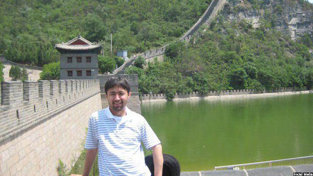 علی عادلی، کارشناس مسائل سیاسی افغانستان
