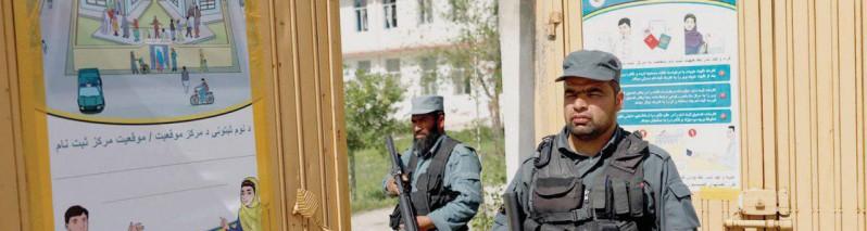 بحران بزرگ مشروعیت انتخابات؛ ۱۲۰۰ مرکز بسته و ردپای ارگ در پلمب غزنی