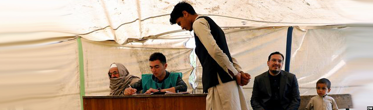 مرحله دوم انتخابات؛ آغاز ثبت نام رای دهندگان و اتهام ناتوانی بر کمیسیون انتخابات افغانستان