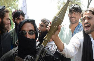 عارف رحمانی: حکومت دست از آتشبس «مسخره» بردارد/ طالبان برای قتلعام سربازان حشر عمومی میکنند!