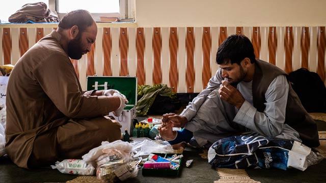 محمد اقبال، جوان ۲۷ساله هلمندی که دانشجوی پزشکی است، آغازگر حرکت صلحخواهانه در هلمند بود
