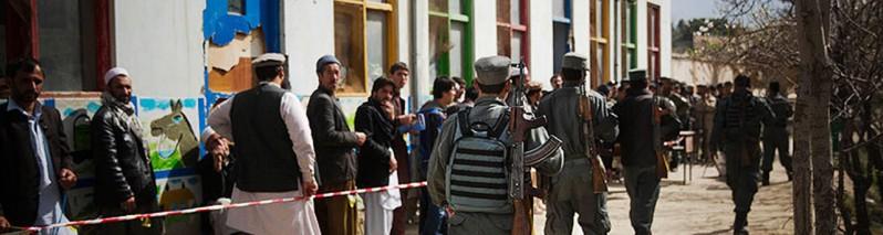 قربانی بزرگ انتخابات؛ تعطیلی مکاتب و استفاده از بیش از ۴ هزار مکتب برای ثبت نام رای دهندگان در افغانستان