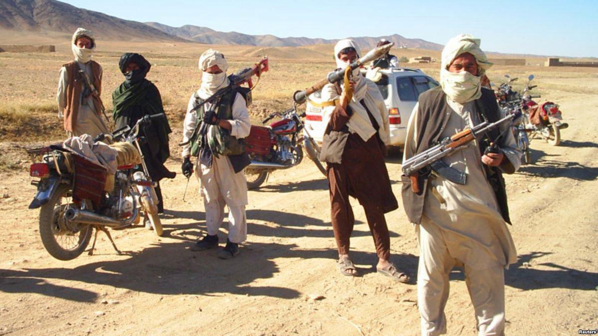 طالبان علاوه بر اینکه به اموال مردم دستبرد زدهاند، راهها و حتی برخی از خانهها را نیز ماینگذاری کردهاند