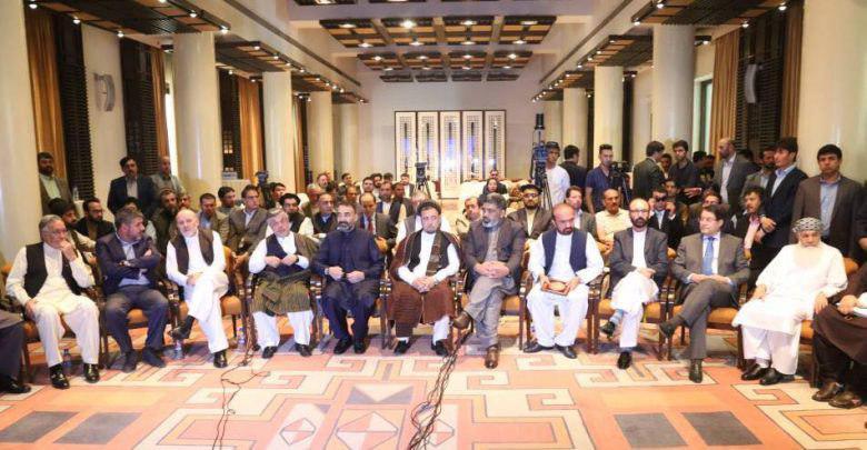 شماری از احزاب و چهرههای سیاسی افغانستان از طرح تشکیل حکومت موقت در افغانستان استقبال کرده و تاکید دارند که گزینه حکومت موقت به معنای بازگشت به 17 سال پیش نیست