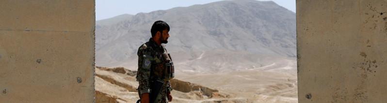 ۳ روز و کشته شدن بیش از ۱۰۰ افسر و سرباز در یک شهر مهم افغانستان
