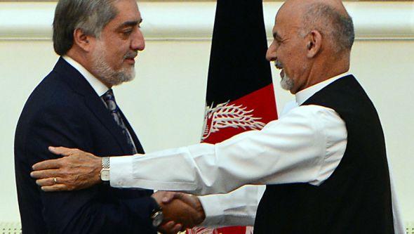 عبدالله عبدالله، رئیس اجرایی کشور و رقیب انتخاباتی آقای غنی دومین نامزدی بود که کمپین های انتخابات اش را آغاز کرد