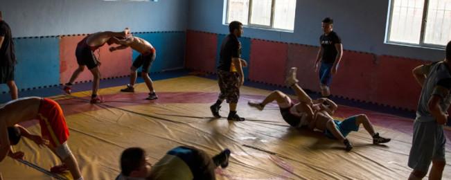 بازگشایی باشگاه پهلوانی میوند؛  نمادی از باور عمیق به زندگی در درون مردمان غرب کابل