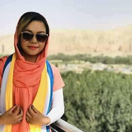 فرشته غزل اکبری، دختری 18 ساله بود که امسال تحصیلاتش را در رشته ژورنالیزم در دانشگاهی در کابل آغاز کرده بود
