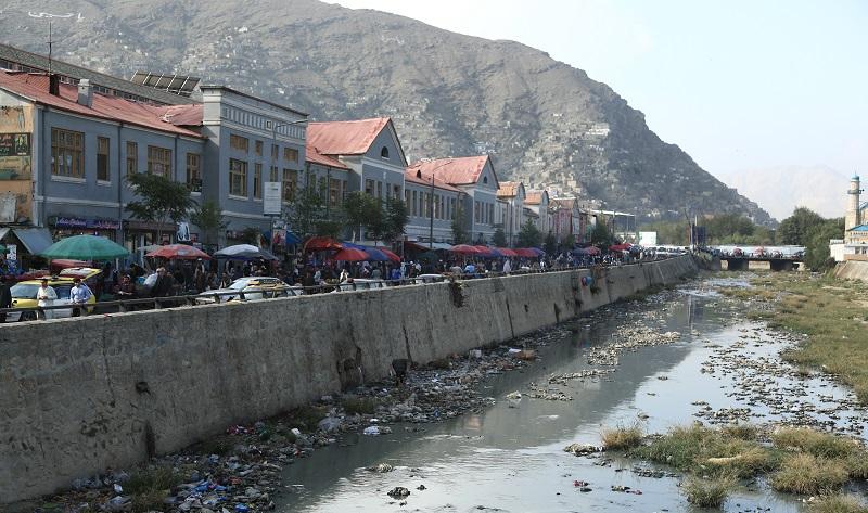 دریای کابل در حال حاضر از زبالهها پر شده و از نگاه محیط زیستی، مشکل بزرگی را برای شهروندان این شهر به وجود آورده است