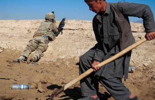 صلح و ثبات در افغانستان؛ انتخابات یا حکومت موقت؟