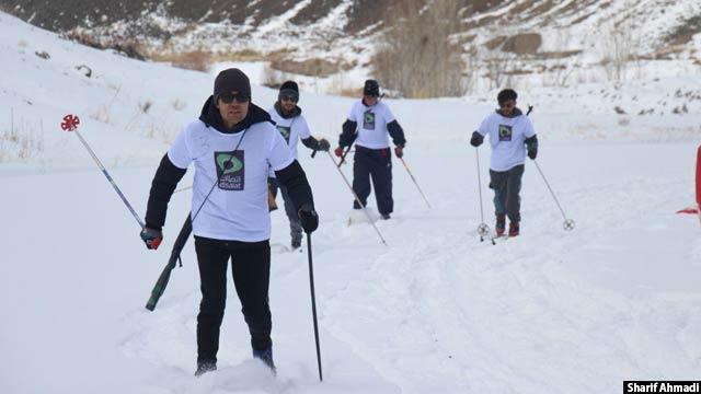 بامیان با داشتن کوههای پوشیده از برف در فصل سرما بستر مناسبی را برای ورزشهای زمستانی فراهم آورده است