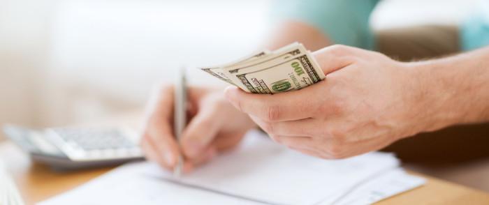 بسیاری از کارآفرینان باید از منبع پولی خود برای شروع تجارت خود استفاده کنند، به این معنا که شما باید هر کاری را که برای بهبود وضعیت مالی خود میتوانید، انجام دهید