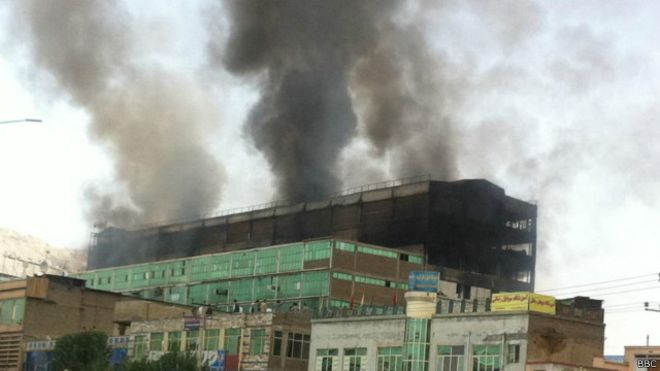 ساعت ده صبح روز پنجشنبه 14 اسد ۱۳۹۵، مرکز تجارتی اباسین زدران در غرب کابل آتش گرفت