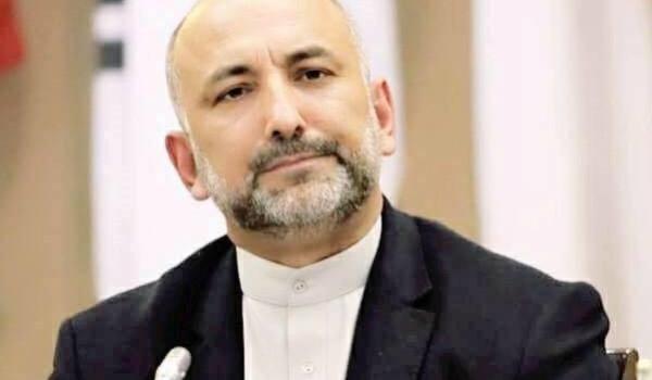 محمد حنیف اتمر، نامزد انتخاباتی ریاست جمهوری افغانستان، اشرف غنی، رئیس جمهوری این کشور را مانع رسیدن به توافق صلح با طالبان میداند