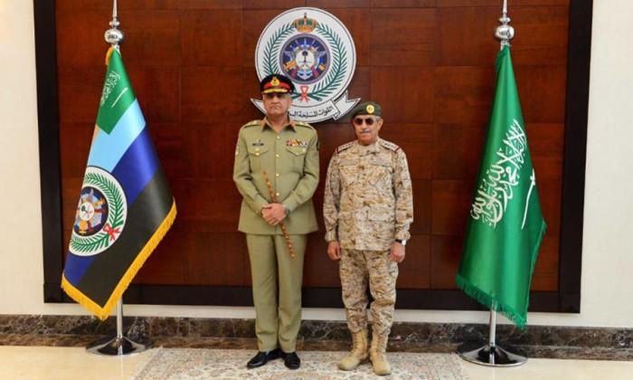جنرال بجوا همراه رییس ستاد ارتش جنرال عبدالرحمن بن صالح ال بنیان