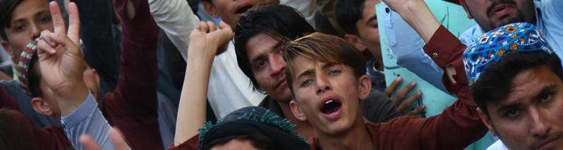 نظامیان میگویند که پشتونها خاین اند. ما تنها حقوق خود را میخواهیم!
