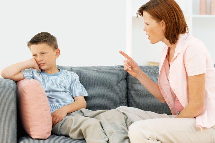 در زمان برخورد با فرزندان در سن بلوغ نباید نقش دستور دهنده داشته باشید