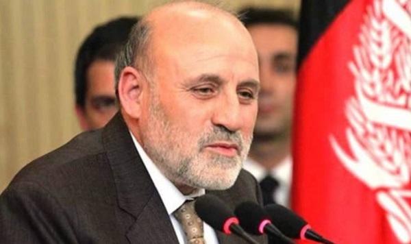 محمد عمر داوودزی رییس دبیرخانه عالی صلح روز یک شنبه در یک نشست خبری از همه نامزدان خواست تا در لویه جرگه اشتراک کنند