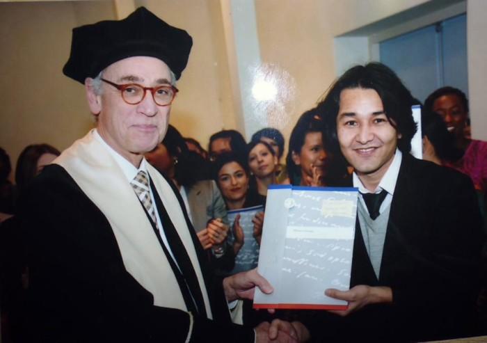 آقای معرفت بخش حقوق بشر و منازعه را در انستیتوت بینالمللی مطالعات اجتماعی دانشگاه راس موس در لاهه هالند فراگرفت