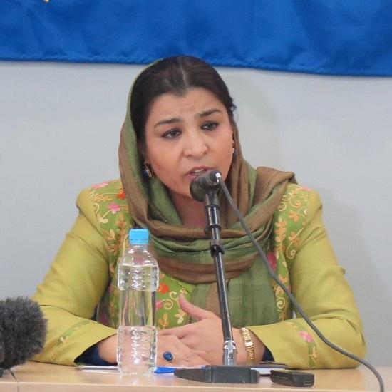 این خانواده قربانی جنگ در افغانستان تاکید دارد که «چهار تیکهدار قومی» نمیتوانند از مردم افغانستان و خانوادههای قربانیان در گفتوگوهای صلح نمایندگی کنند