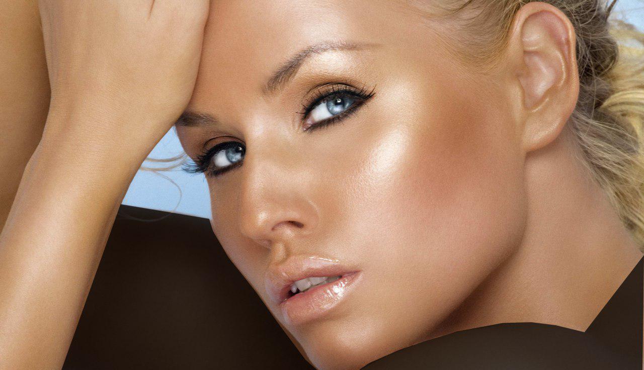 برای اینکه رژ لبتان با رنگ جلدتان همخوانی داشته باشد، از رنگهایی ملایم استفاده کنید