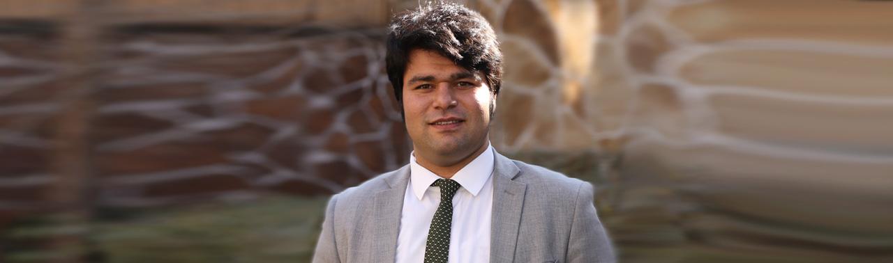 زلمی اکبر؛ جوان ننگرهاری، نام درخشنده در منابع بشری و حضور در میان ۱۰۱ رهبر تاثیرگذار نیروی انسانی جهان
