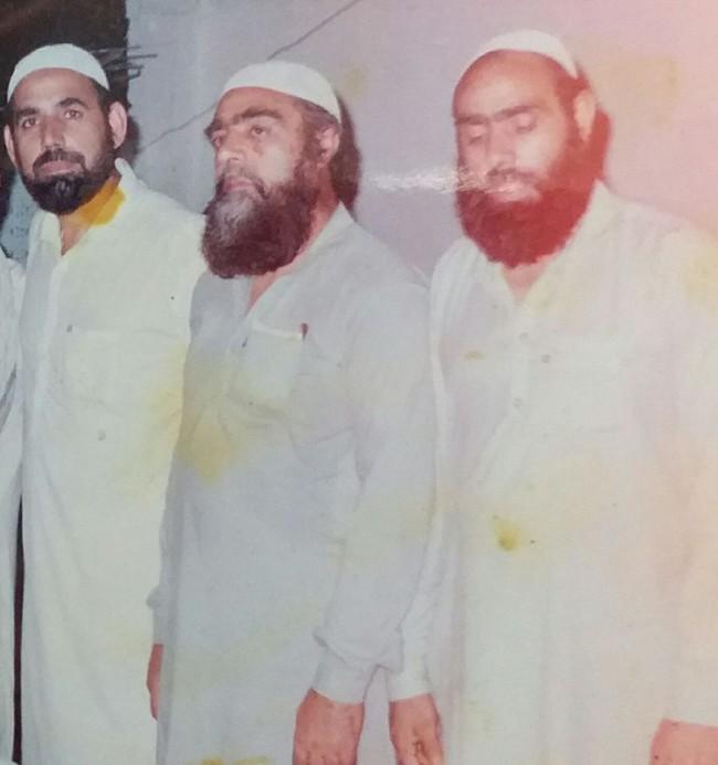 عبدالغنی کاکا(وسط)، یکی از اعضای کاروان صلح هلمند، به دلیل ناتوانی جسمی در عمر 63 سالگی درگذشت