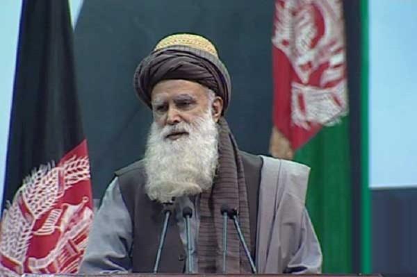 قای سیاف که ریاست شورای حراست و ثبات افغانستان را برعهده دارد اعلام داشته که در مذاکرات صلح باید آبروی ملت و دولت افغانستان حفظ شود