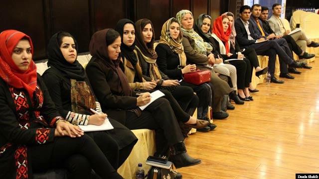 خانم عظیمی می گوید که در انتخابات پارلمانی توانست در بدخشان برای مشارکت زنان در حد و اندازه خود سهم بارزی داشته باشد