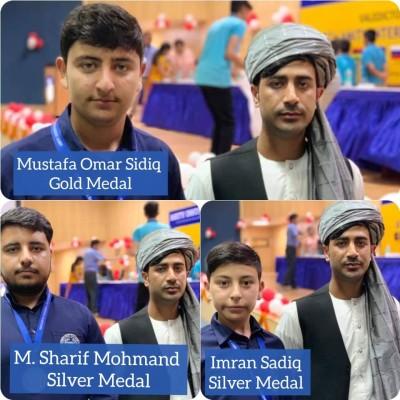 مصطفی عمر صدیق دانشآموز صنف نهم از مکتب محمد وزیر اکبرخان یکی از لیسههای خصوصی قندهار است که امسال در این المپیاد بین المللی شرکت داشته است