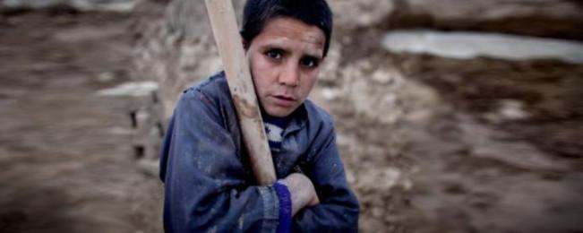 ۱۲ جون؛ ۷ نکته که خانواده ها در باره روز کودکان کار در جهان و افغانستان بدانند