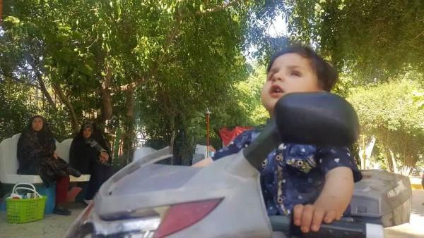 مریم ابرام آینده حسیب الله را درخشان میبیند و مطمین است فرزند او در زمره استعدادهای درخشان افغانستان خواهد بود