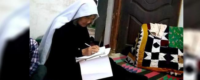 داستان زندگی ساز یک مادر افغان؛ چگونه لعل بیگم در ۶۵ سالگی به آموزش روی آورد؟
