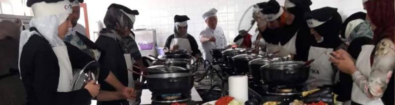 برنامه سازنده برای زنان؛ انجمن آی بیگم چرا اولین دوره آموزش حرفه ای آشپزی را در کابل دایر کرد؟