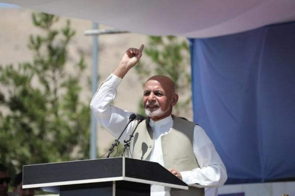محمد اشرف غنی، رئیس جمهور کشور، در ادامه کمپاینهای انتخاباتی خود، ظهر روز جمعه (۱ سنبله) به هرات سفر کرده و در جمع هواداران خود از آوردن صلح پس از پیروزی در انتخابات صحبت کرده است