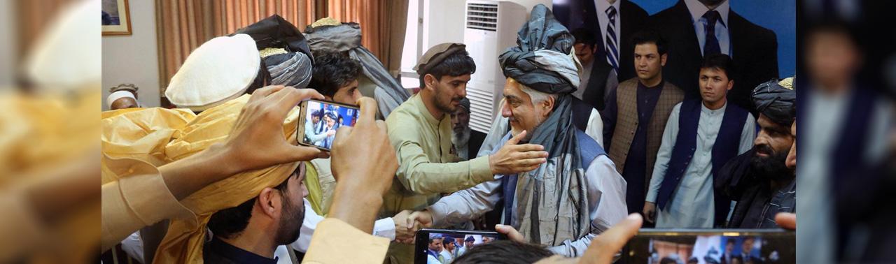 از کمپاین های مجازی اشرف غنی تا مانورهای معنادار عبدالله؛ ۸ نکته از تازه های انتخاباتی ۴ روز اخیر افغانستان
