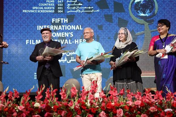 در این جشنواره علاوه بر حضور فیلم سازان و چهره های مطرح فرهنگی از سطح افغانستان، جشنواره، میزبان مهمان هایی از کشورهای دیگر نیز می باشد