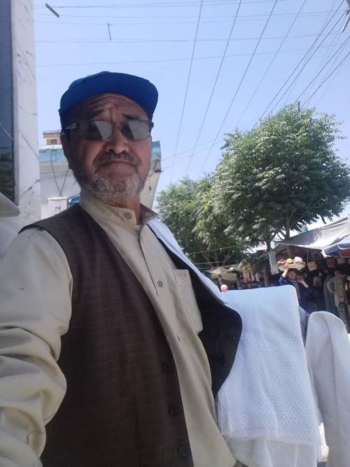 آقای صادقی از سالهای 1385 تا 1396 در پستهای مختلف حکومتی کار کرده است
