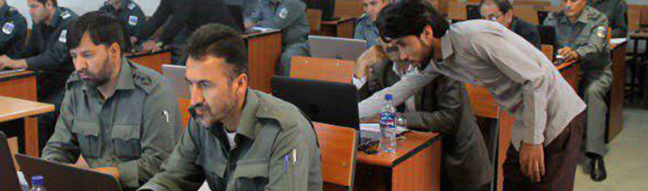نارضایتی وزارت دفاع آمریکا از مشکل در سیستم پرداخت معاشات نیروهای امنیتی افغانستان
