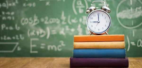 سعی کنید کم کم روزهایتان را تغییر بدهید. بسته به زمانی که دارید از پنج دقیقه تا یک ساعت را صرف یادگیری یا امتحان کردن چیزی جدید کنید.
