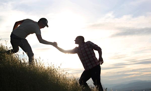 کمک کردن به دیگران غالبا سبب میشود که خودتان را فراموش کنید.