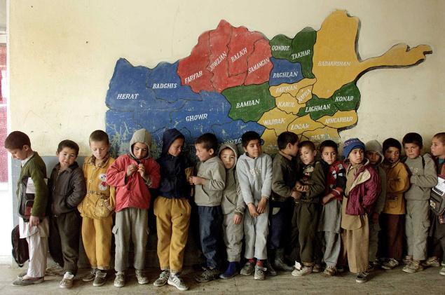 کودکان یتیم افغانستان بیشتر کودکانی هستند که در جنگ والدین خود را از دست دادهاند یا به دلیل فقر به پرورشگاهها سپرده شده و در آنجا بزرگ شدهاند
